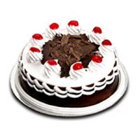 Cakes to Delhi Defence Colony : 1/2 Kg Black Forest Cake to Delhi Defence Colony